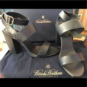 BNIB BROOKS BROTHERS HEELED SANDALS